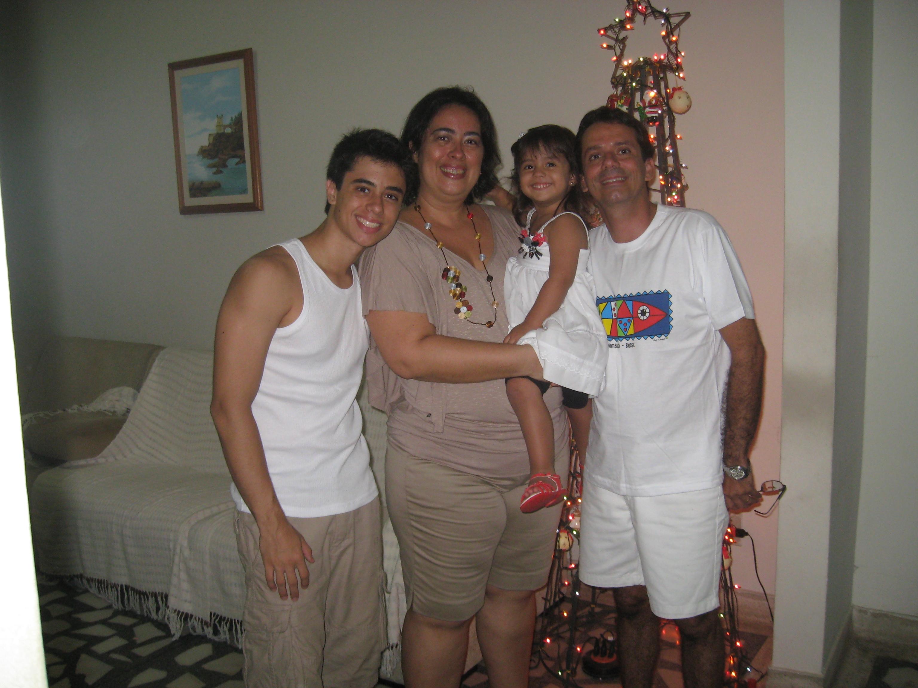 scrição: Descrição: scrição: Descrição: Descrição: Descrição: Descrição: http://www.de.ufpe.br/~cysneiros/familia.jpg
