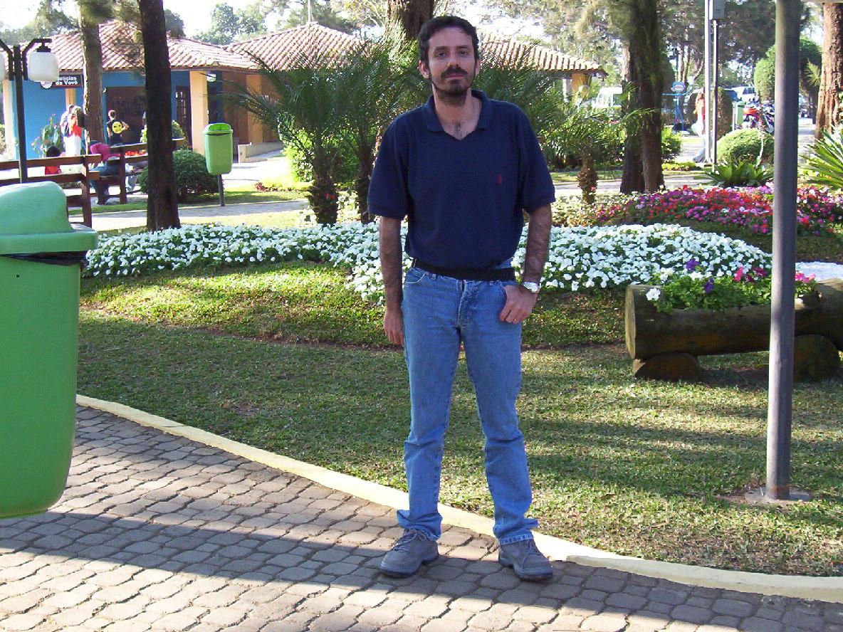 scrição: Descrição: scrição: Descrição: Descrição: Descrição: Descrição: http://www.de.ufpe.br/~cysneiros/eu.jpg